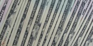 Brudny dolar